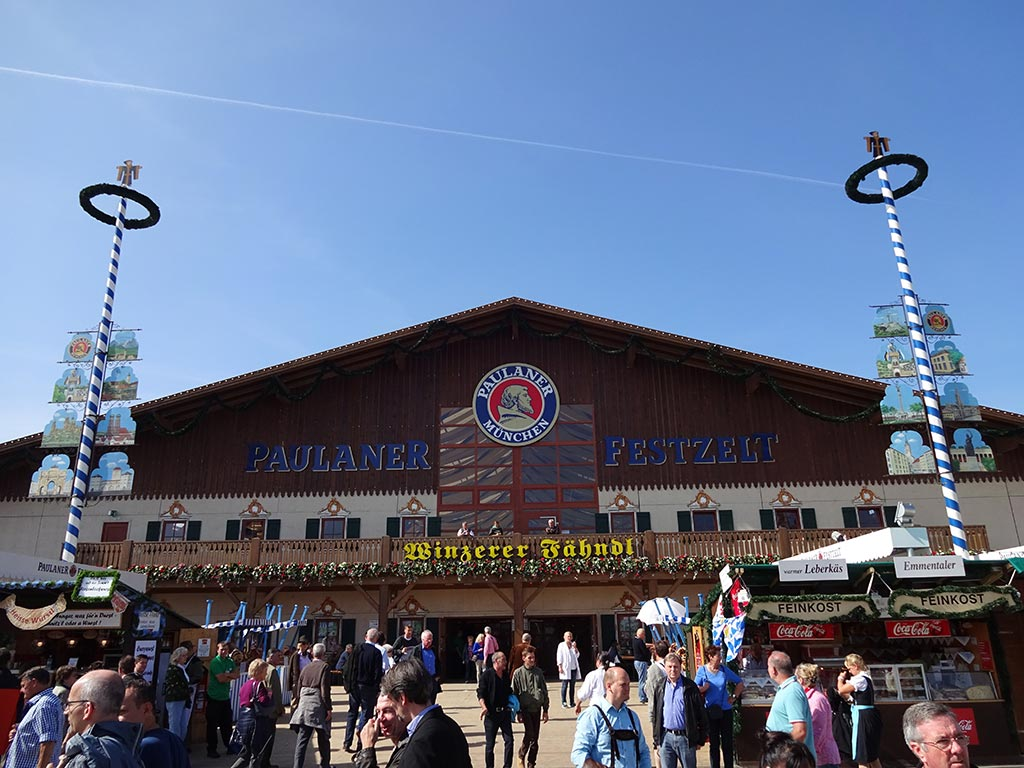Beer drinking law Oktoberfest
