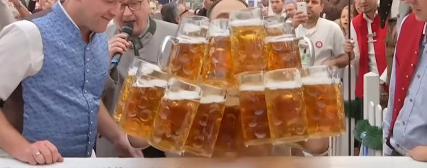 Beer Carrying Record Oliver Strumpfel