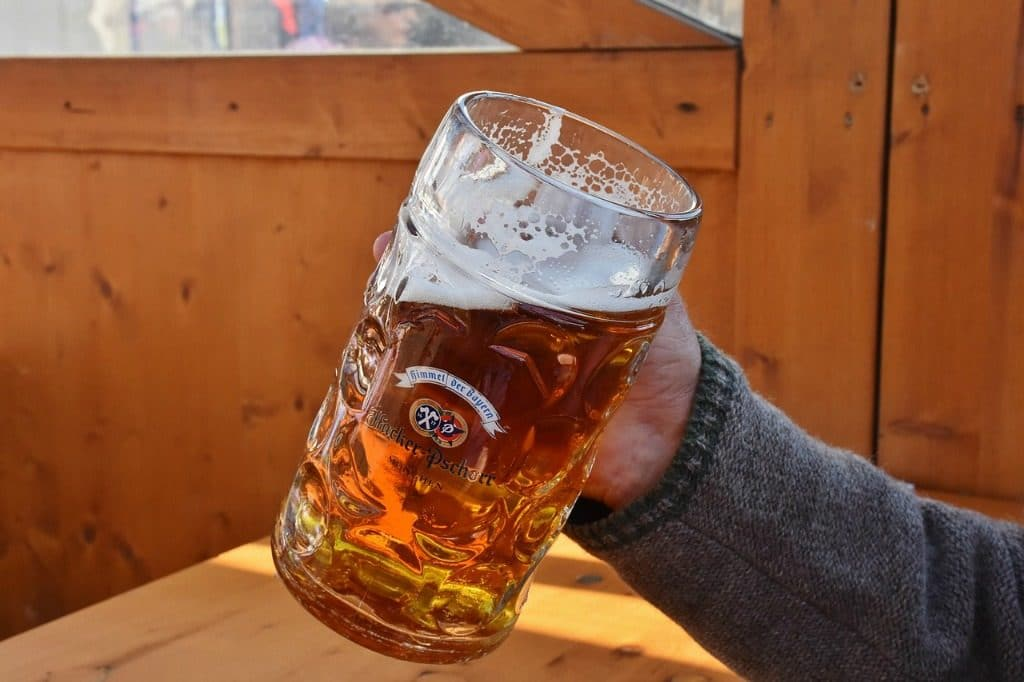 Stein carrying world record broken by Bavarian