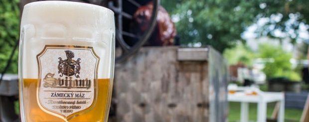 5 things you need to drink in Prague, Czech Republic   Pilsner beer #prague #pilsner #beer