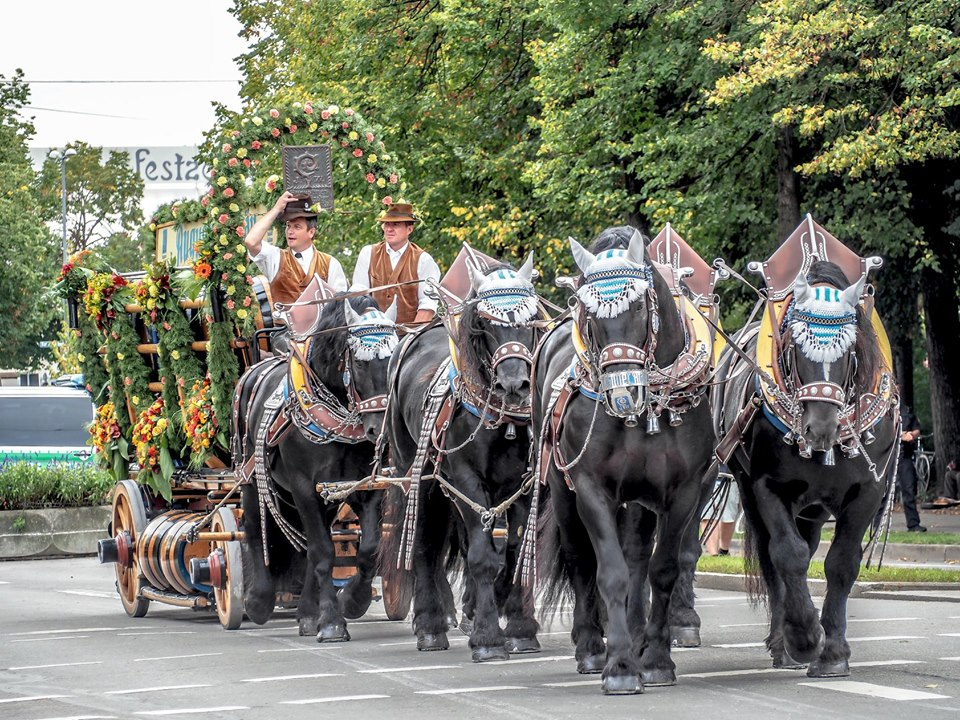 Oktoberfest 2021 schedule of events - parades